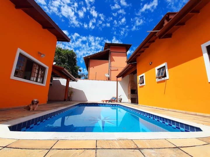 Casa em Condomínio c/ Piscina - Caraguatatuba