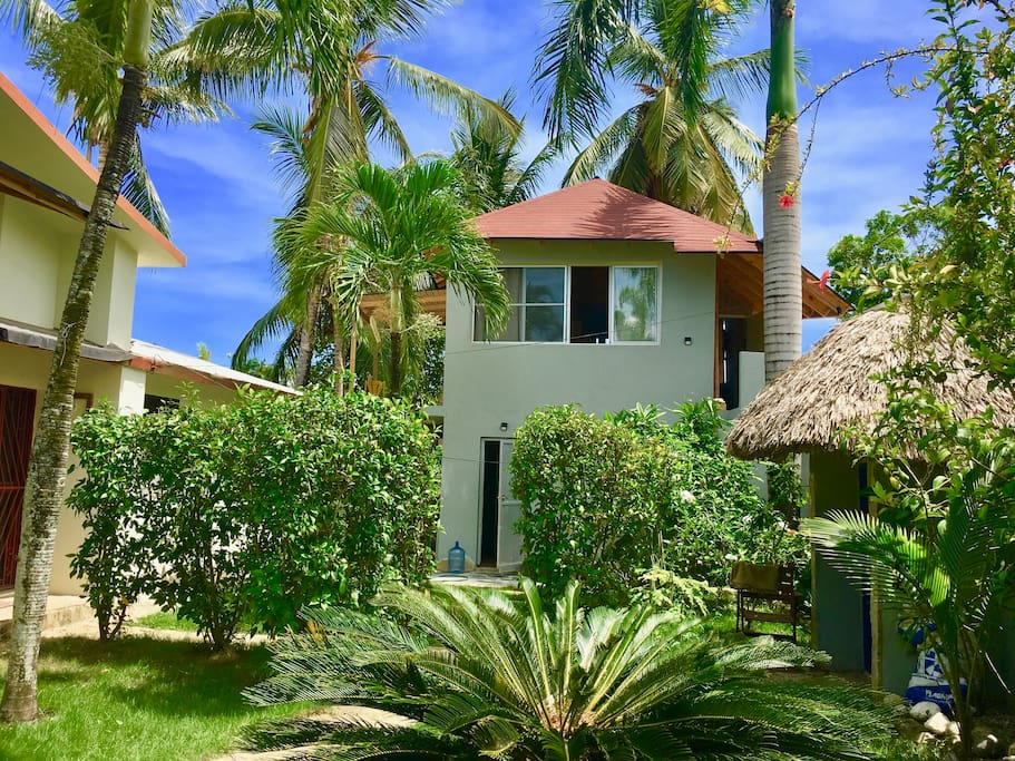Loft in Villa Buen Hombre, Cabarete. Kite Buen Hombre kitesurfing packages and and specials from rustic clamping to luxury and digital world. Enjoy the ride! :)