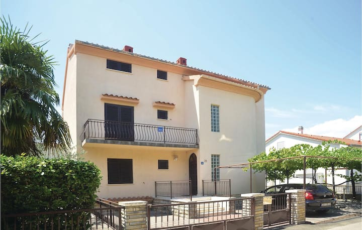 Awesome home in Biograd na moru with WiFi and 3 Bedrooms