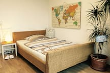 comfort stay in city centre / 12 mins to UN