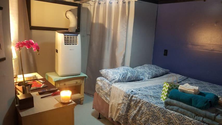 Historic Germantown Studio, 2 beds, sleeps 4