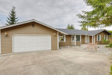 Overlooking the Valley 1 Bdrm 1 Bath - Puyallup