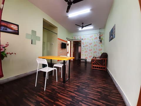 Entire flat with high speed internet &free parking
