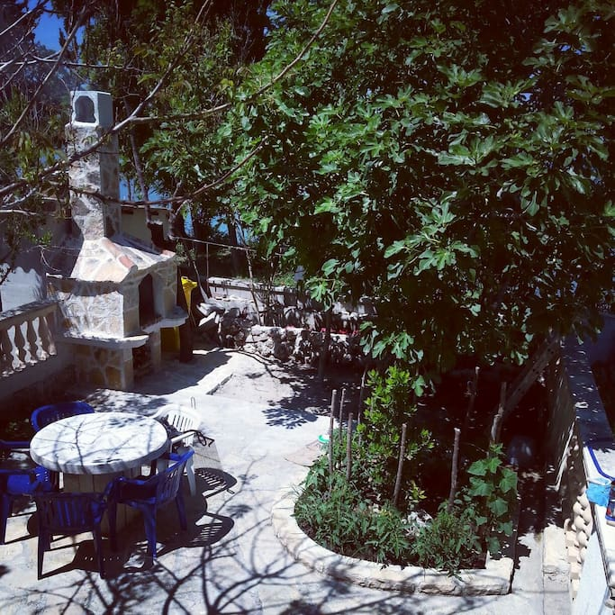 Tradicional dalmatian outdoor place for barbecue