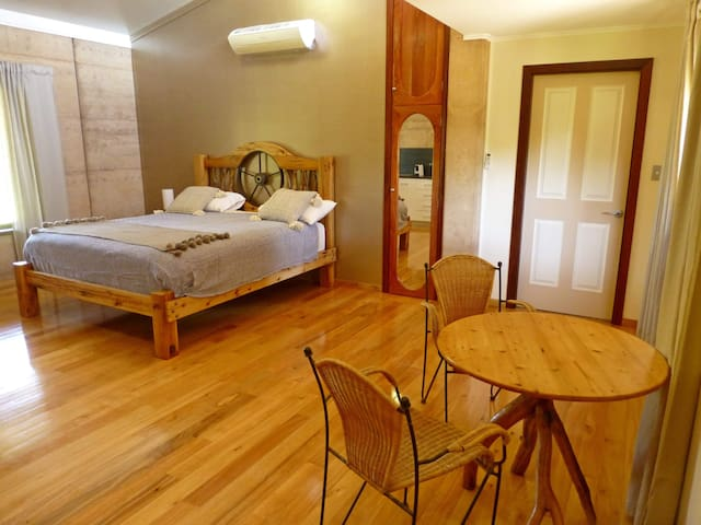 Greenough Nature Stay, Relaxed Rural Rental