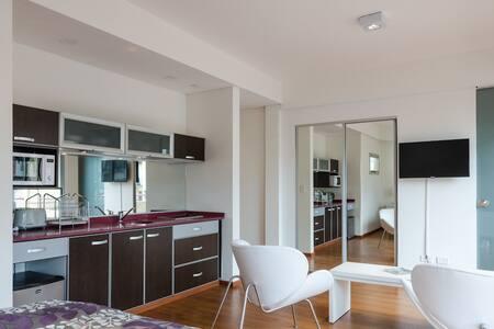 Apartamento luminoso con balcón!