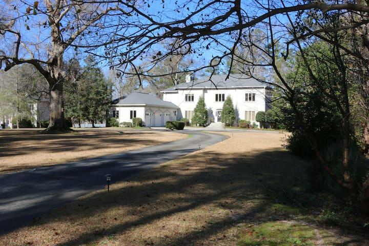 Masters Lakefront Estate - Aiken - House
