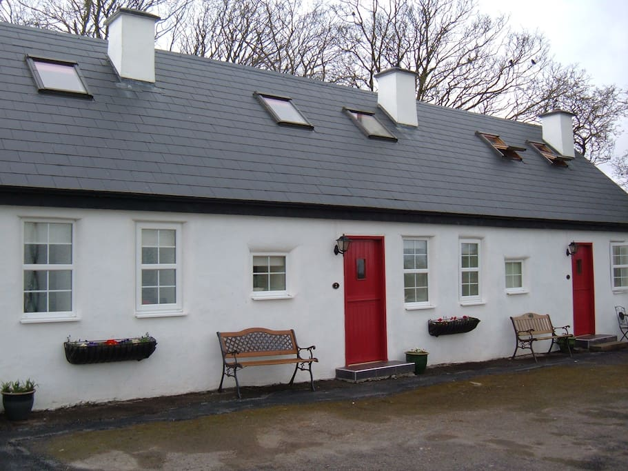 self catering cottage near lough corrib cabanes louer. Black Bedroom Furniture Sets. Home Design Ideas