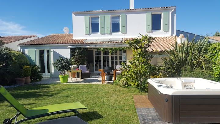 Villa de charme with spa in Saint-Martin de Ré
