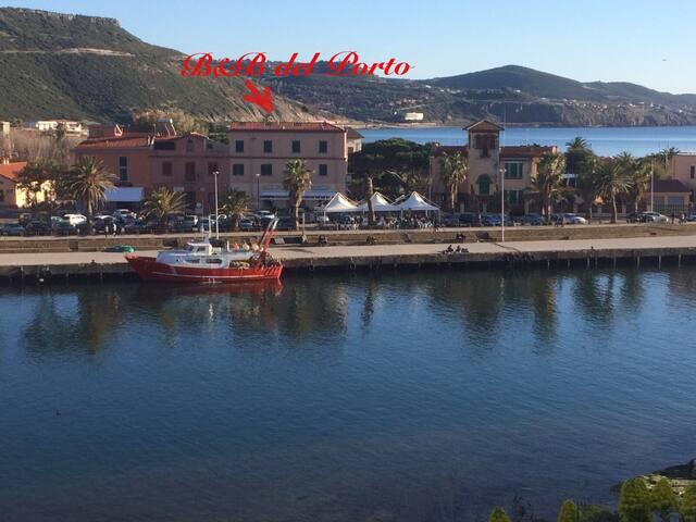 B&B DEL PORTO - Camera Mediterraneo E7045
