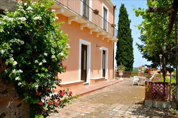 Villa Bonaccorso - La Dimora An oasis of tranquility immersed in nature in the foothills of Mount Et