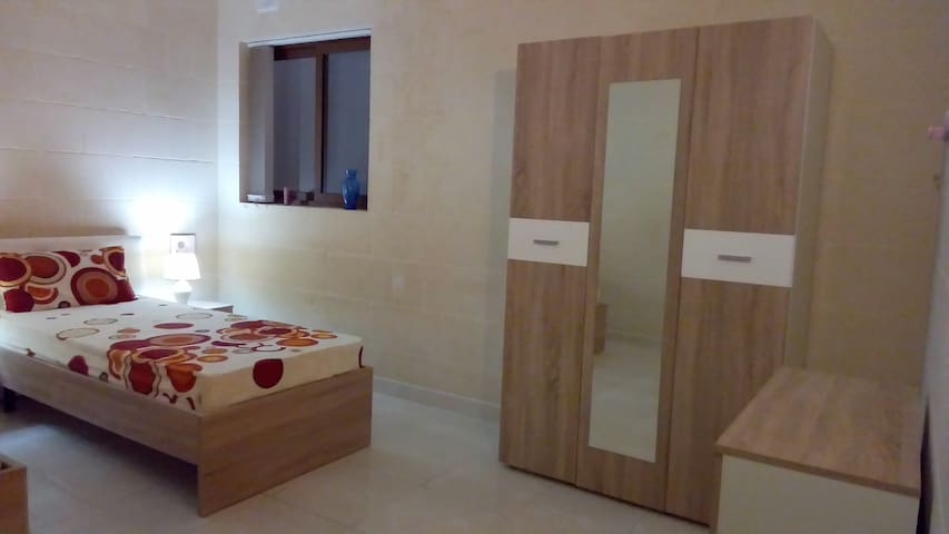 Rubis, private bedrooms in Gozo's heart