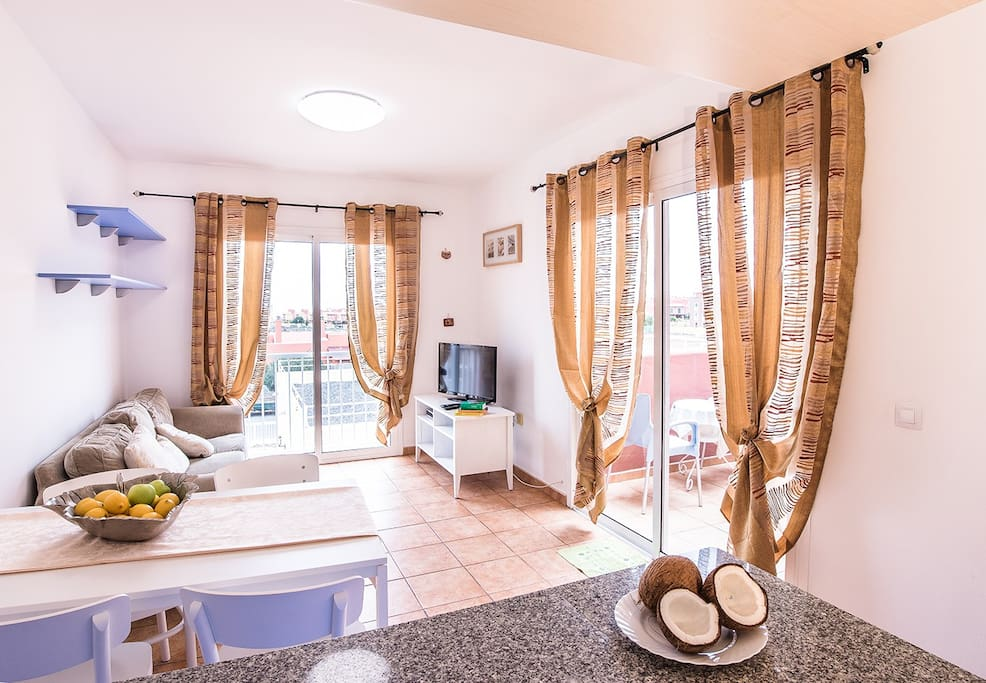 Salón luminoso_Living room