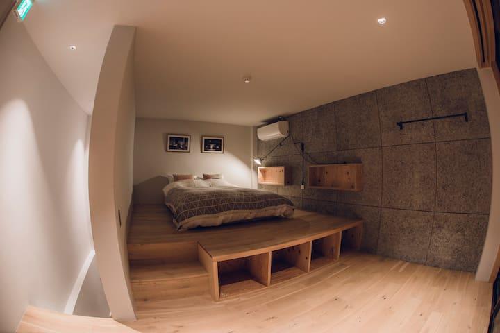 ベッドルーム(3F・ダブル)