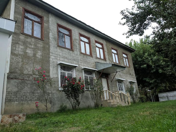 Private House in the center of Gabala