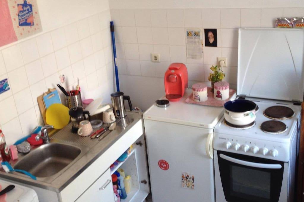 Ein Teil der Küche, die gerne benutzt werden darf! Den Abwasch würde ich auch übernehmen!
