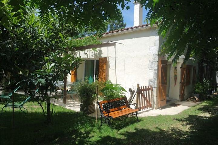Petite Maison en duplex tout confort sur jardin