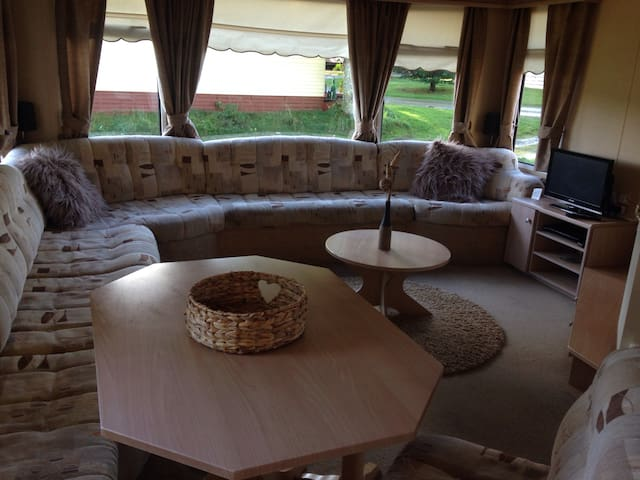 Spacious 3 Bedroom static caravan - Daviot East - Altres