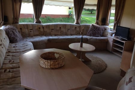 Spacious 3 Bedroom static caravan - Daviot East - Lain-lain