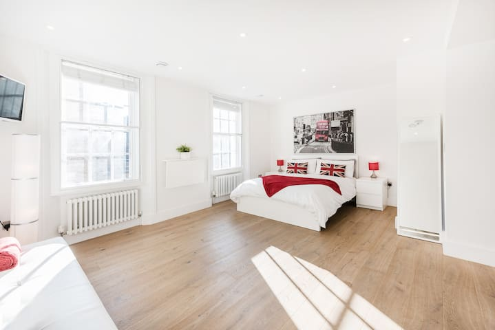 Central London Luxury Studio/Soho - London - Apartment