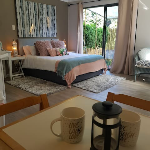 Protea Suite @ Sanctuary Self-Catering Apartments
