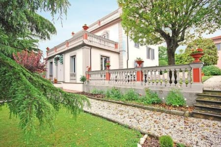 Panoramic, elegant Villa with swimming-pool - Ponzalla - Villa