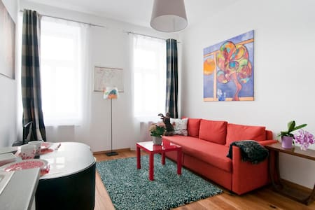 Superb cosy apartment on Danube channel 9 district