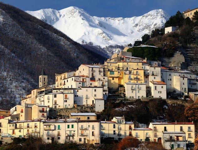 Monolocale nel Parco Nazionale d'Abruzzo - Pizzone - Leilighet