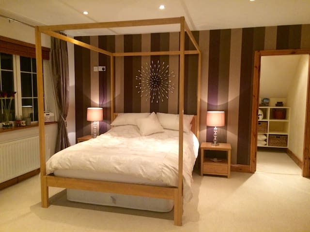 King Size room with ensuite on rural south coast
