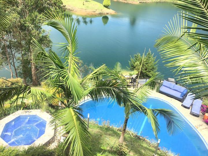 Best Lake Cabin in Guatape