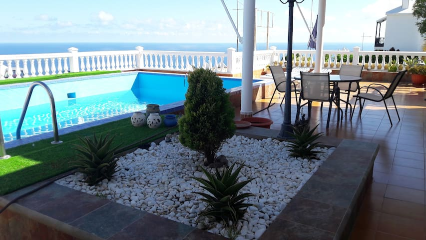 Bungalow with sea views,private swiming pool.