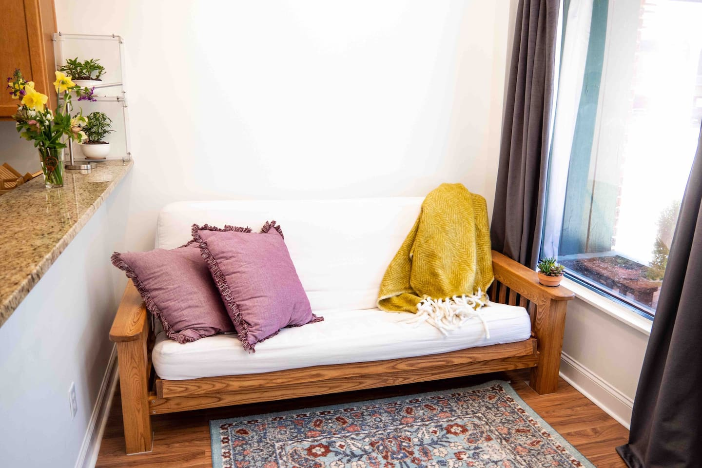 """Gorgeous, stress reducing, hidden gem in the center of the CITY..  Queen bed in private bedroom, Full futon in common space.  Come stay awhile! Have some wine & """"un-wind"""".  Great restaurants, theatre, Baseball games!  Have Fun!"""