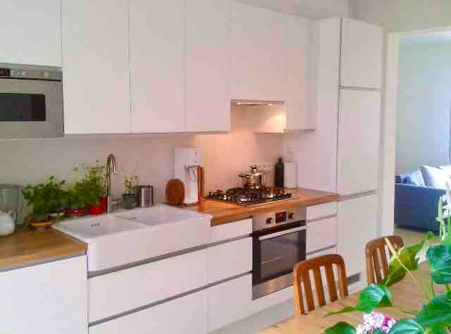 3 bedroom house with fully equipped kitchen.