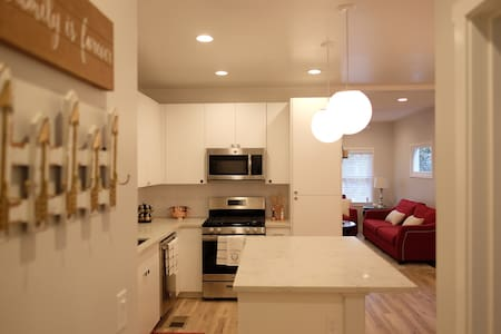 Brand New 2br 2ba in Downtown/Midtown by Golden1 - Sacramento - House - 0