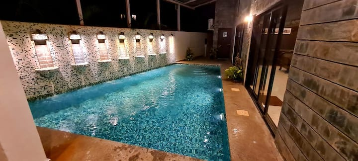 River View Luxury AC rooms with Pool - Party Zone
