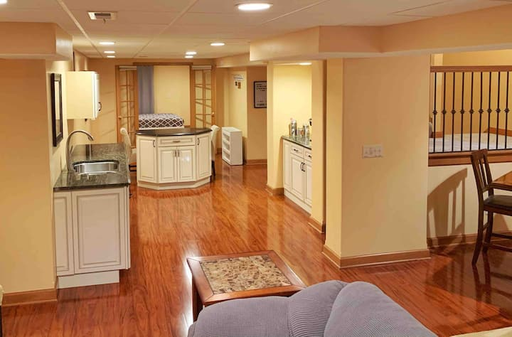 Renovated, Spacious Basement Suite (1700+ sq ft)