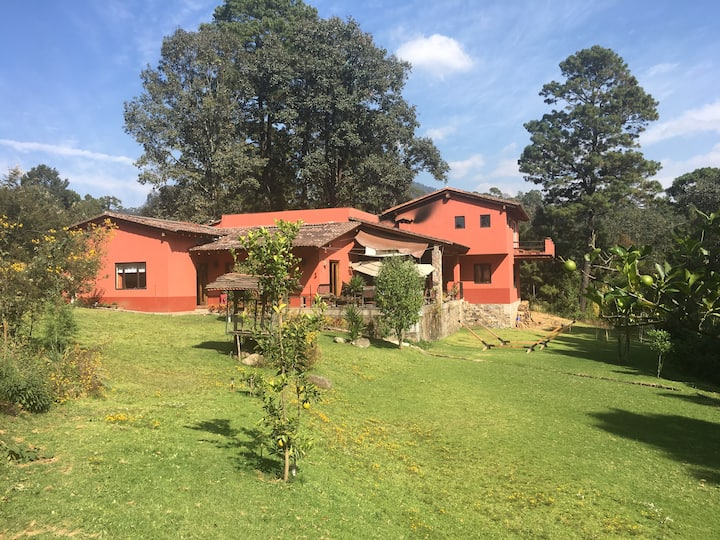Casa tipo rancho en Valle de Bravo