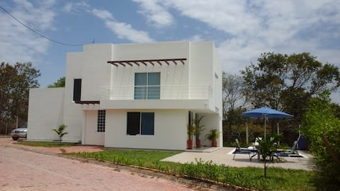 Acogedora y agradable casa privada en Girardot