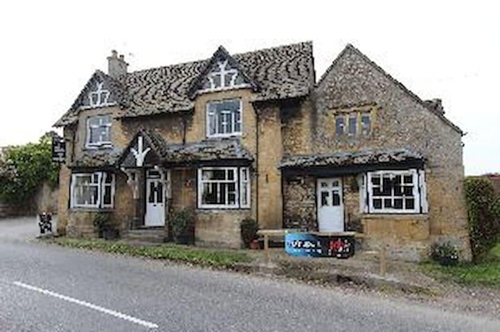The New Inn, Willersey