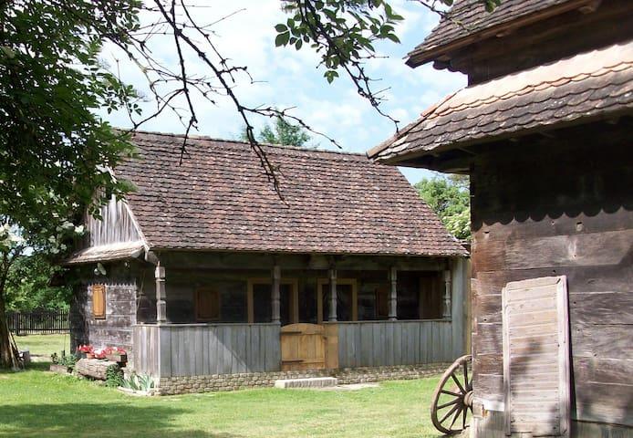 Ethno Village Stara Lonja (House 2) - Lonja - Casa