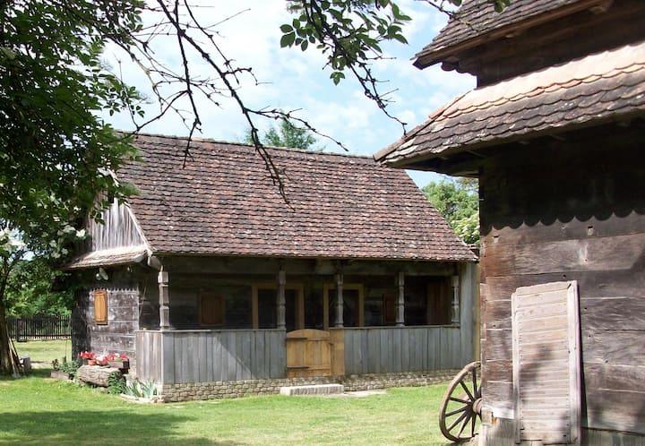 Ethno Village Stara Lonja (House 2)