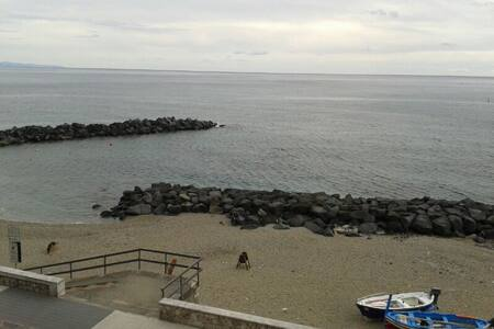 Top 20 holiday lettings giardini naxos holiday rentals apartments airbnb giardini naxos - B b giardini naxos lungomare ...