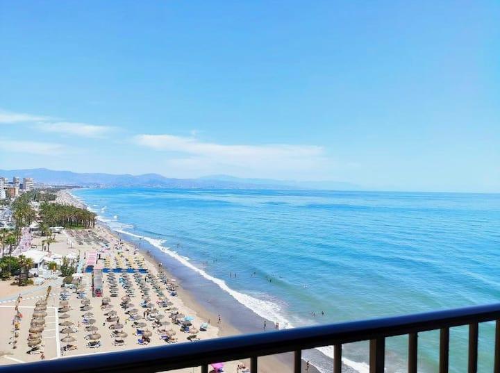 Amazing stay with frontline sea views Torremolinos