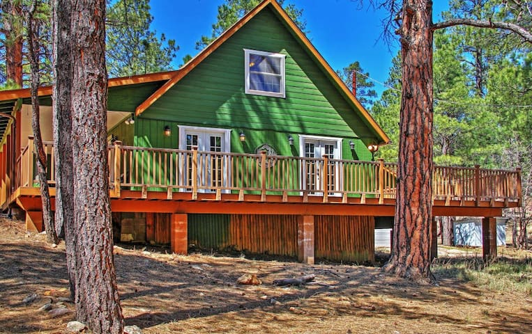 Warm 3BR Happy Jack Cabin in Coconino Nat'l Forest - Happy Jack - Cabane