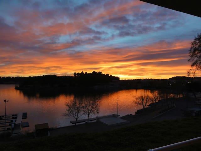 T2 vue sur l'étang de l'Olivier - Istres - Apartament