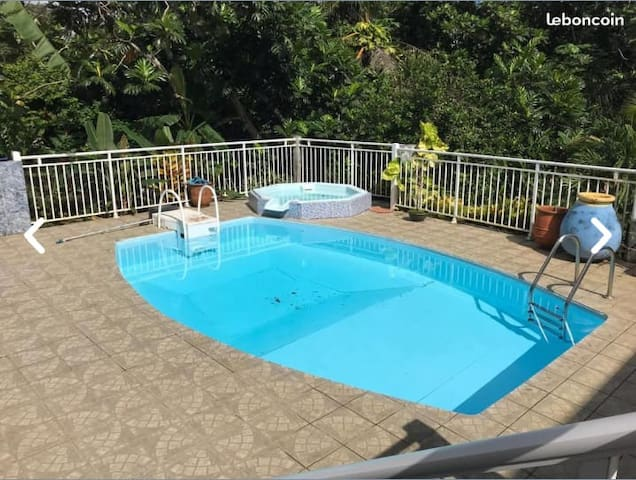 Charmant studio pour couple  avec piscine