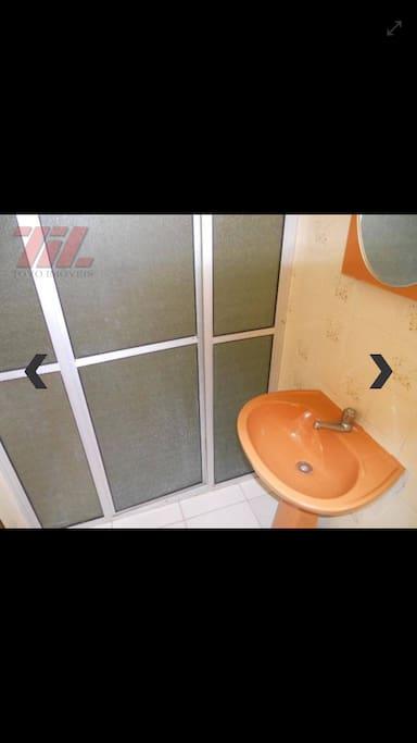 Banheiro. Uso dos hóspedes.