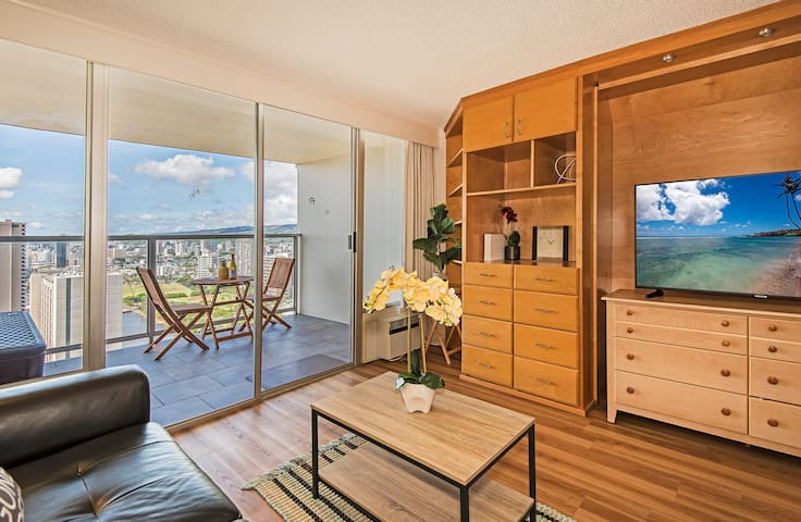 **Professionally Sanitized**Ocean & Mountain View Studio w/Pool, Sauna & Gym! - Island Colony Studio Ocean & Mountain View on the 40th Floor A