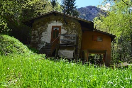 Casetta di Montagna del XIX secolo  - Moggio Udinese , fraz. Bevorchians - Talo