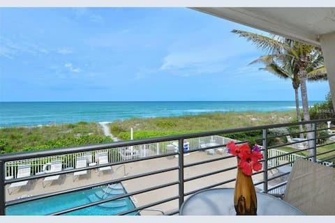 Amazing beachfront View & balcony on Long Boat Key